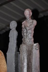 2 sculptures de José Strée en grès noir d'origine espagnole et en terre Witgert 922 allemande.