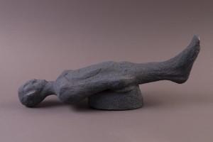 Gisante noire,  Terre cuite au four à bois,  22,2 x 53 x 14,2 cm, 2013