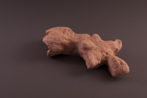 Femme fragment Terre cuite, 10 x 42 x 21 cm, 2004