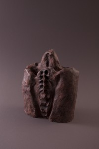 Liens invisibles I Terre cuite, 31 x 24,8 x 10 cm, 2002