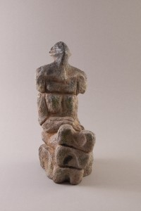 Femme assise IV Four papier + raku, 28 x 16 x 28 cm, 2012