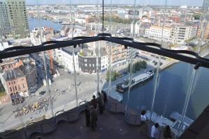 Vue sur le port d'Anvers depuis le Musée Mas.