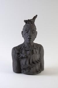 Femme à la robe noire (série des porteurs de sièges), Four à bois, 39 x 23 x 17,5 cm, 2018
